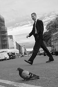 uomo_con_piccione